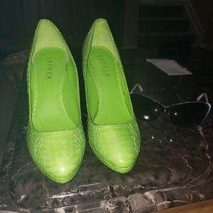 Snake skin green lime color heels size 9B